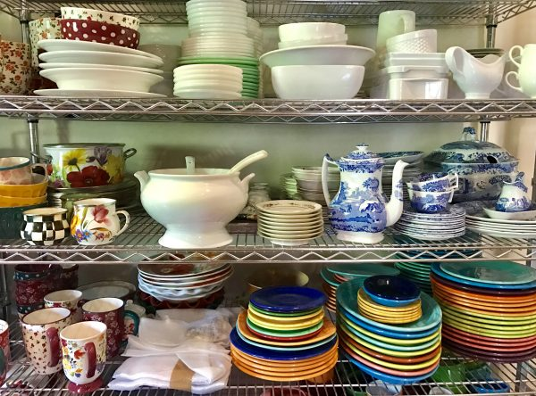 Pioneer Woman's lodge dishes
