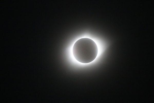 Total solar eclipse photographed by Ronald D. Koch in Crete, Nebraska.