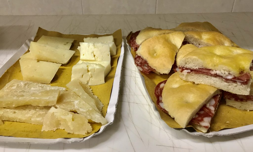 Cheese and sandwich samples from il Magnifico