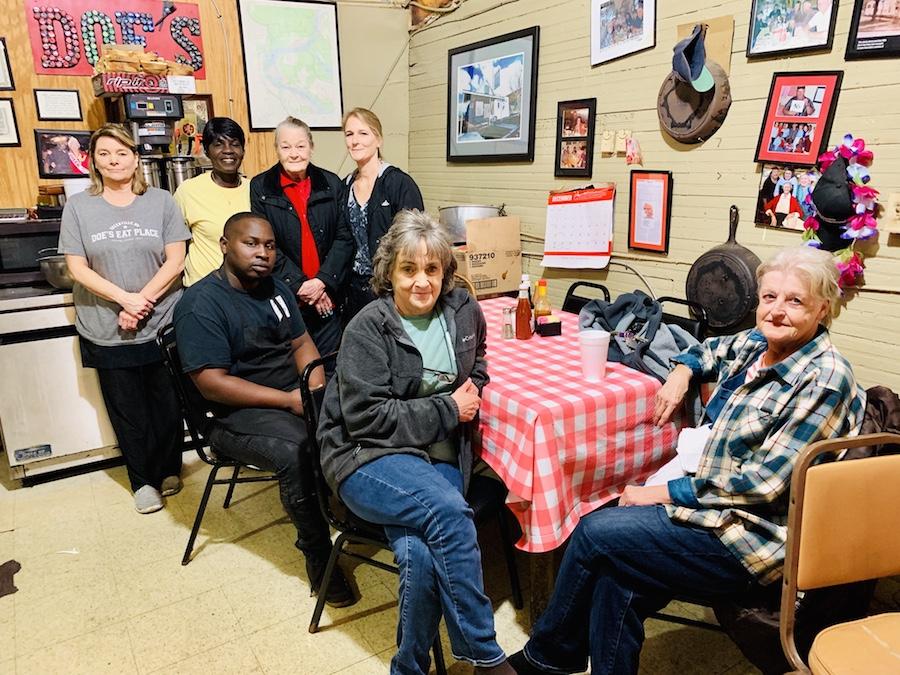 Doe's Eat Place staff