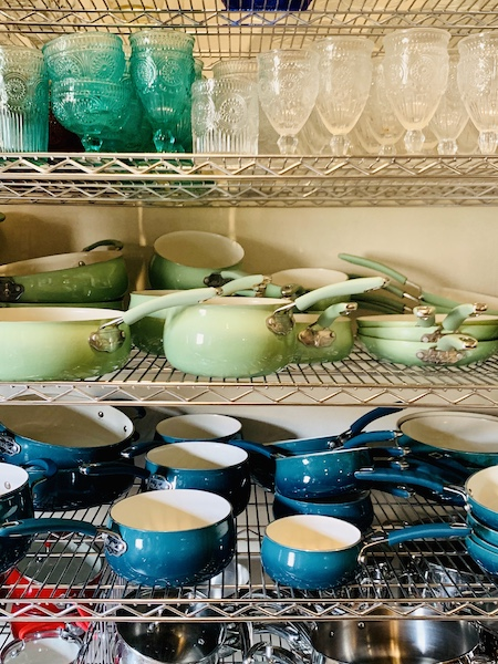 Lodge at Ree Drummond's Ranch cookware
