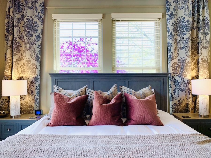 Oilman's Daughter bedroom
