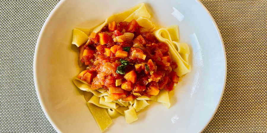 How to make handmade Tuscan pasta and vegetarian sauce