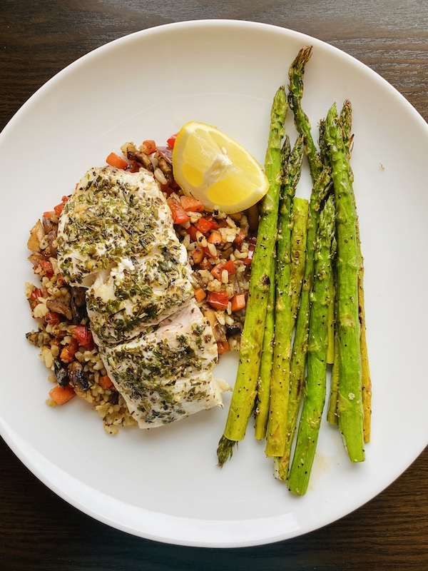 foods to help you lose weight with noom fish and veggies