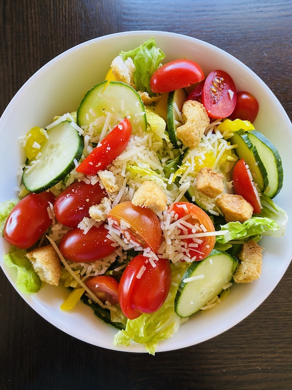 foods to help you lose weight with noom dinner salad