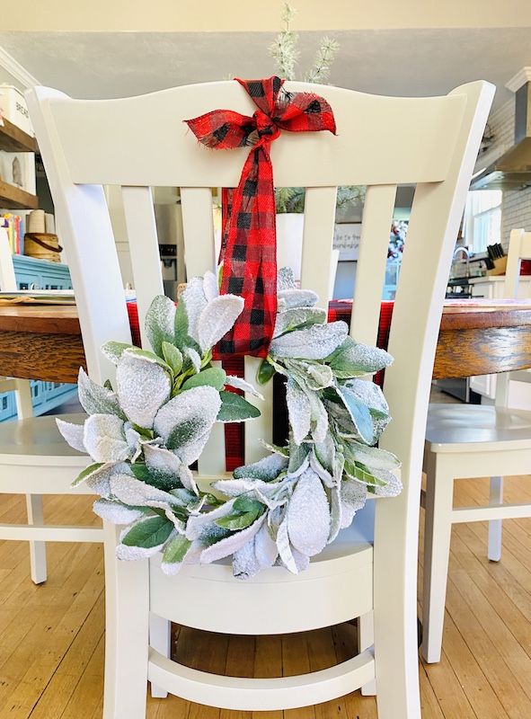 Postcard Place Airbnb in Pawhuska Christmas chair wreath