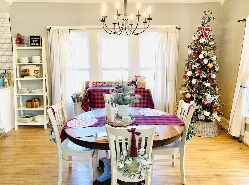 Postcard Place Airbnb in Pawhuska Christmas kitchen/dining