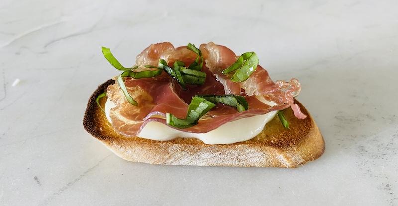 Prosciutto and fig crostini