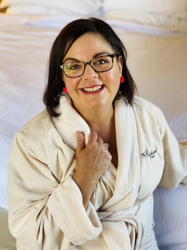 Ann Teget in robe Raphael Hotel Kansas City