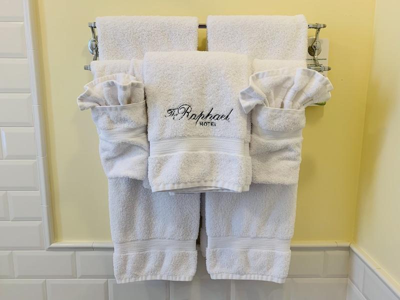lush towels at Raphael Hotel Kansas City